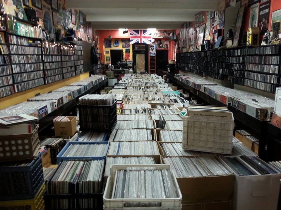 Tom's Music Trade - Record Store Image