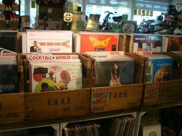 United Scooters - Record Store Image