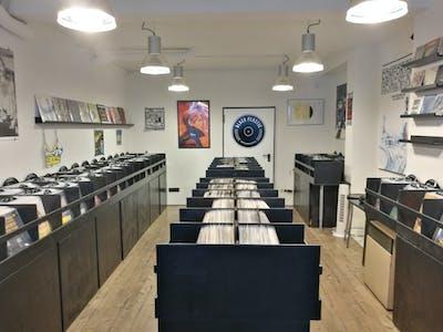 Vinylhub Record Store Database